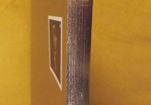 Nostromo 1, canto de páginas pintado en dorado